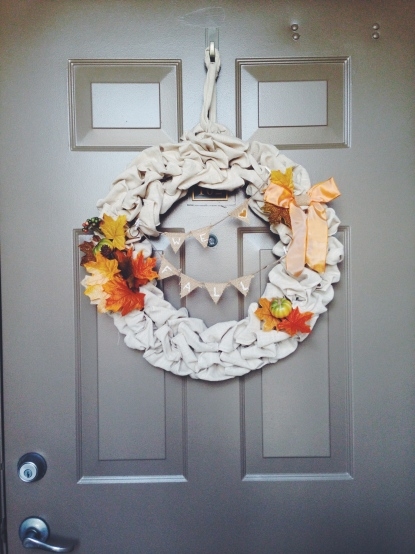 Coming home to my homemade dyi fall wreath is so welcoming and cute
